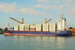 ship för aktivitetslasthamburg port Royaltyfria Bilder