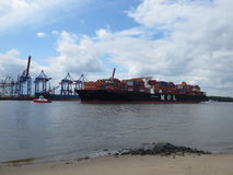 ship för behållaregdansk poland port Arkivbilder