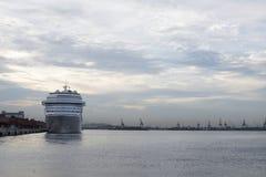 ship för costakryssningluminosa Royaltyfri Bild
