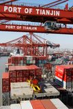 ship för funktioner för lastporslinbehållare Royaltyfria Foton