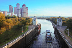 Free Ship Floats Through Gate Of Sluice Number 8 Royalty Free Stock Photos - 21831038