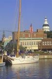 Ship i hamn Royaltyfri Foto