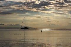 Ship i solnedgång Arkivbild