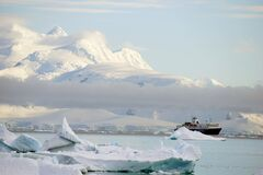 Free Ship In A Bay In Antarctica Royalty Free Stock Photos - 179016758