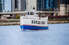 Ship by the Navy Pier Royalty Free Stock Photography