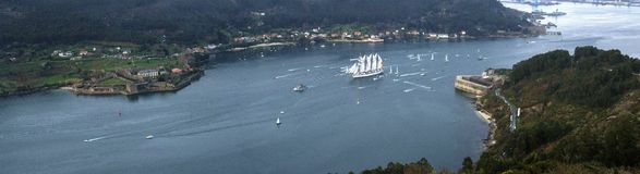 Ship och slott royaltyfri bild