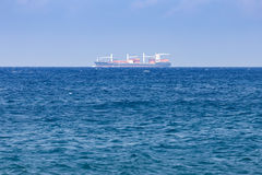 Ship på horisonten Arkivfoton