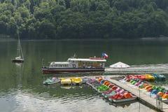 Ship på laken arkivbilder