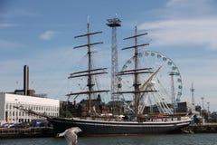 Ship på pir Arkivfoto