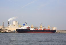 Ship in port Royalty Free Stock Photography