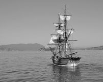 Ship sailing to Alcatraz Royalty Free Stock Images