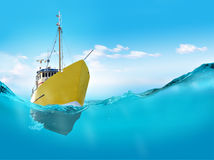 Ship in the sea Royalty Free Stock Photos