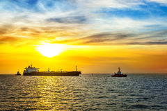 Ship and sunrise Royalty Free Stock Photography