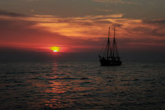 Ship_sunset Royaltyfri Bild
