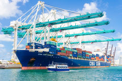 Ship unloading containers at the Port of Miami Royalty Free Stock Photography