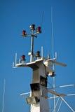 Shipantenner och navigeringsystem Arkivfoto