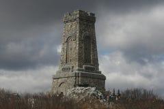Shipka выступает памятник - символ высвобождения Болгарии 3-ье марта национальный праздник Болгарии стоковые изображения rf