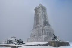 Shipka monument i vinter royaltyfri fotografi