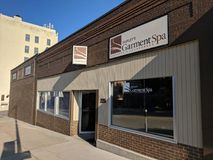 Shipley's Garment Spa. Launderers & Cleaners in downtown Sioux Falls, South Dakota stock photography