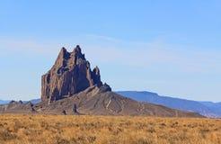Shiprock岩层在北新墨西哥 免版税图库摄影