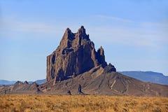 Shiprock岩层在北新墨西哥 免版税库存图片