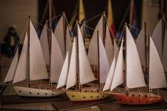 Ships modelo en una tienda de regalos imagen de archivo libre de regalías