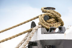 Ships mooring bollard with ropes Stock Photography