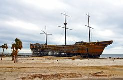 Shipwreck on beach Royalty Free Stock Photos