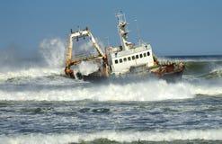 Shipwreck de esqueleto da costa Imagens de Stock