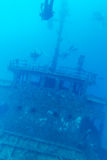 Shipwreck i akwalungu nurek, Maldives obraz royalty free