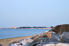 Shipwreck i skały na seashore w Costinesti, Rumunia Zdjęcia Royalty Free