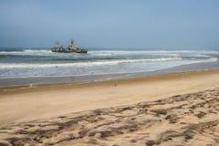 Shipwreck na plaży, kośca wybrzeże, Namibia Zdjęcie Royalty Free
