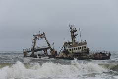 Shipwreck przy Skelleton wybrzeżem (Namibia) Zdjęcia Stock