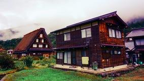 Shirakawa går byn i Japan Arkivfoton