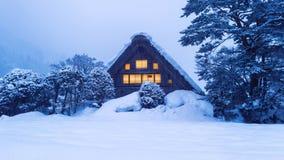 Shirakawa-ga dorp in de winter, Unesco-de plaatsen van de werelderfenis, Japan stock afbeelding