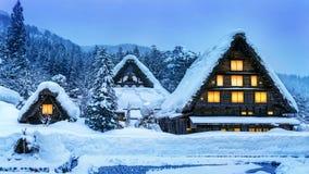 Shirakawa-ga dorp in de winter, Unesco-de plaatsen van de werelderfenis, Japan royalty-vrije stock foto