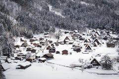 Shirakawago UNESCOvärldsarv i vintersäsong Favorit- gränsmärke i Japan Royaltyfri Foto