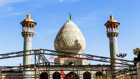 Shiraz, Iran - Mei 10 2019: Koepel van de bak Musa al-Kazim Shrine, broer van Seyyed Aladdin Hussain van Imam Reza Shiraz, Iran stock foto