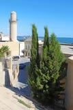 _ _ Shirvanshahs slott och minaret i den gamla staden Royaltyfri Fotografi