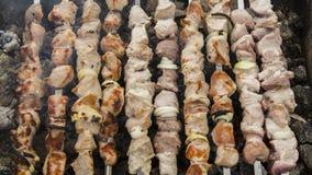 Shish kebabs подготовленные на меднике Стоковые Фотографии RF