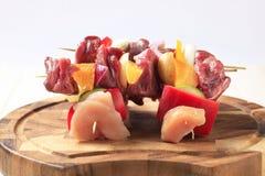 shish kebabs сырцовое Стоковая Фотография RF