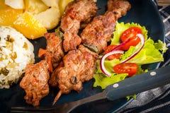 Shish kebabs - piec na grillu warzywa i mięso fotografia stock