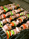 Shish Kebabs sur le gril Images stock