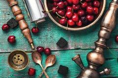 Shisha-Huka mit Kirsche Stockfoto