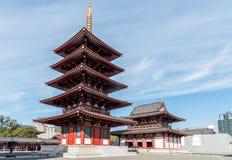 Shitennoji的塔,古庙在大阪,日本 免版税库存照片