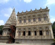 Shiv Mandir и свое Mandap на Shinde Chattri, Пуне Стоковое Изображение RF