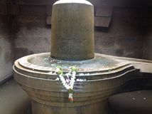Shiva Linga na água Foto de Stock Royalty Free