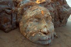 Shiva Rock Carving à peu de plage de Vagator, Goa du nord, Inde Photographie stock libre de droits