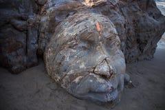 Shiva Rock Carving à peu de plage de Vagator, Goa du nord, Inde Images stock