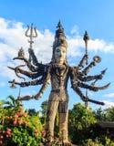 Shiva in Sala Keoku, het park van reuze fantastisch beton beeldhouwt royalty-vrije stock afbeeldingen